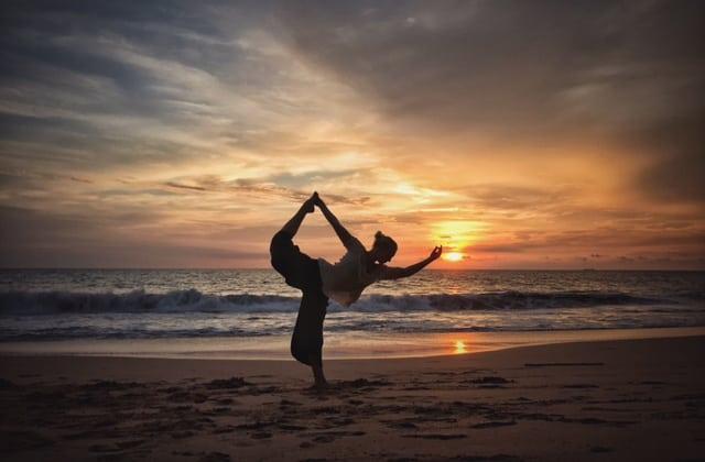 Laura McBridge SUP Yoga Teacher Paddleboarding London in Camden
