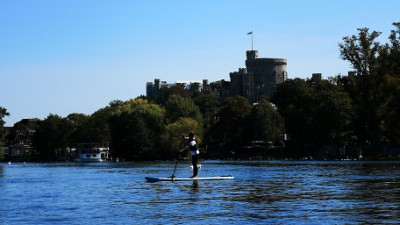 Paddleboard past windsor castle with Paddleboarding London